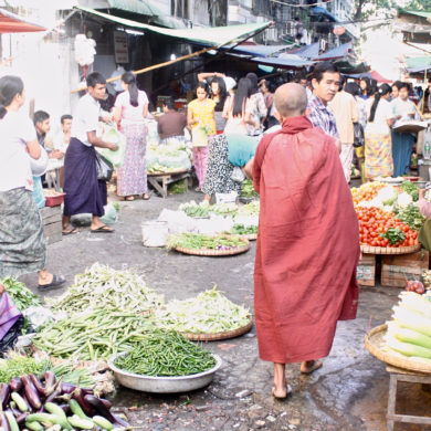 Mercato del mattino a Yangon