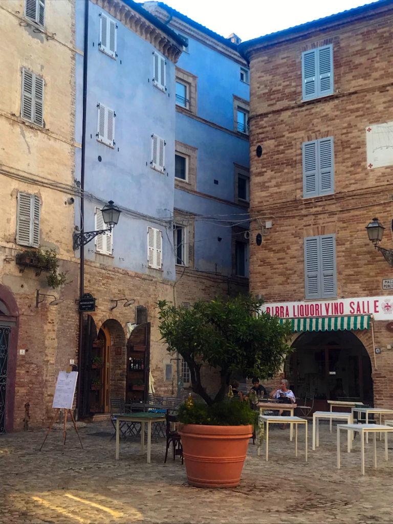 Piazza Peretti a Grottammare