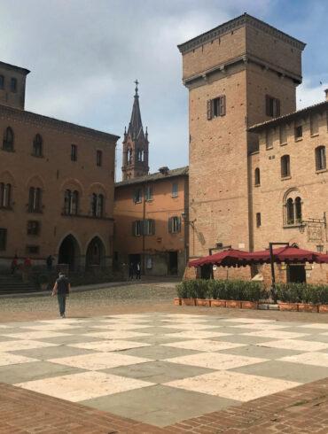 Piazza Roma a Castelvetro di Modena
