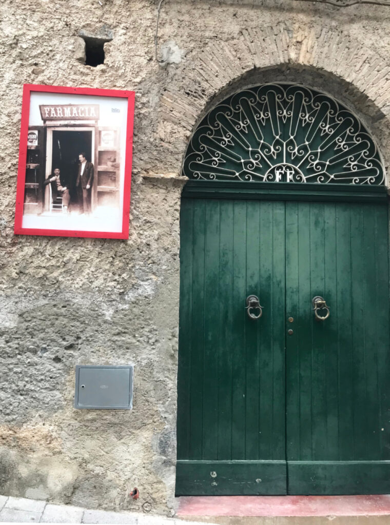 Vecchie fotografie appese a i muri di Morano