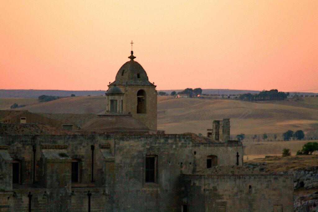 Cosa fare a Matera: ammirarla al tramonto