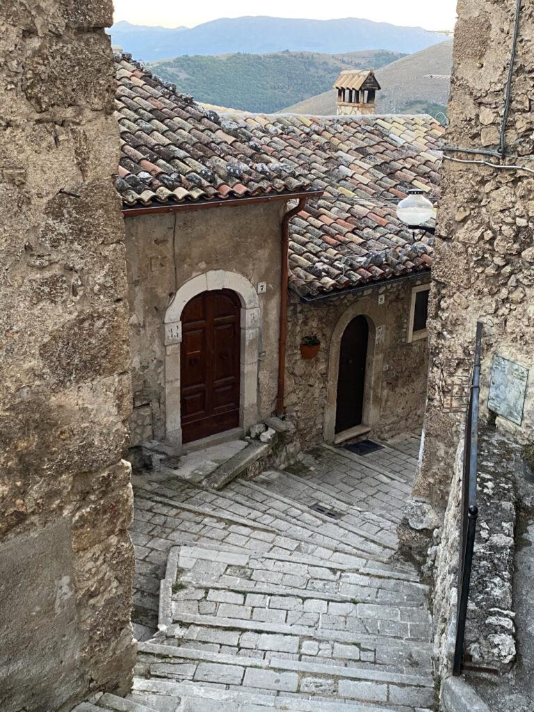 Discesa a Santo Stefano di Sessanio